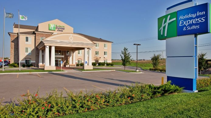 Exterior view Holiday Inn Express & Suites WICHITA AIRPORT