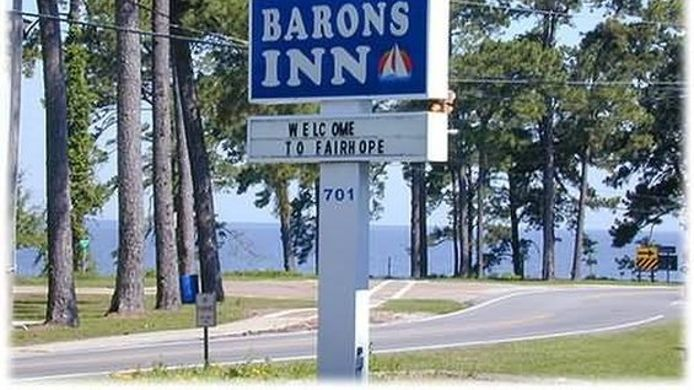 Exterior view BARONS BY THE BAY I