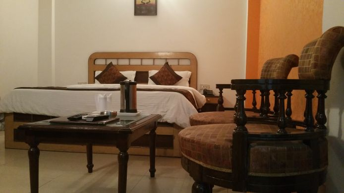 Double room (superior) Paras International