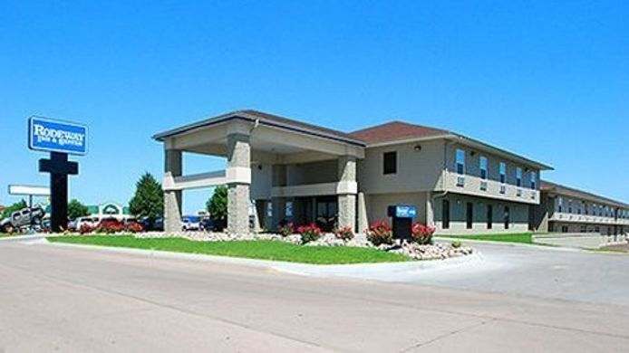 Exterior view Econo Lodge Inn & Suites Kearney