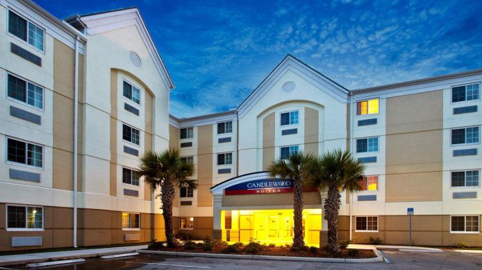 Exterior view Candlewood Suites FT MYERS I-75