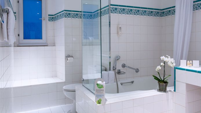 Hotel provinces op ra paris h tel 3 toiles for Salle de bain hotel 5 etoiles