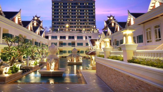 Exterior view Grand Pacific Sovereign Resort and Spa