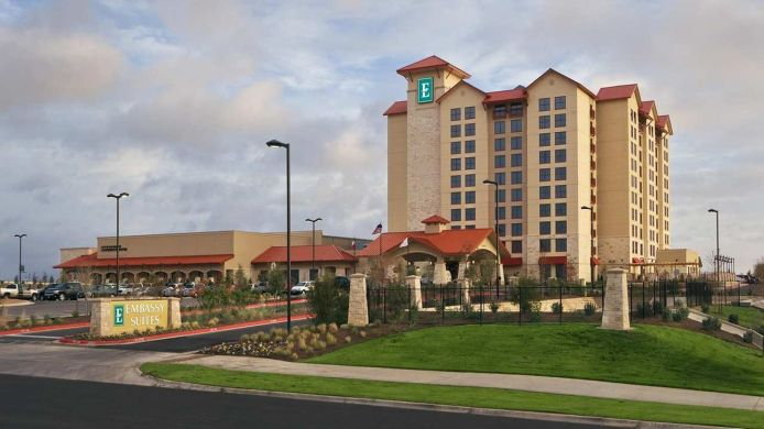 Exterior view Embassy Suites by Hilton San Marcos Conference Center - Spa