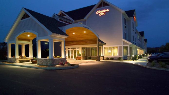 Exterior view Hampton Inn Rutland