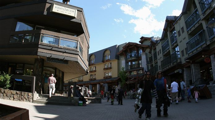 Exterior view Raintree's Whiski Jack At Whistlerview Whistler