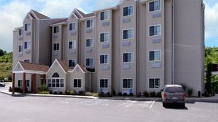 Exterior view MICROTEL MORGANTOWN