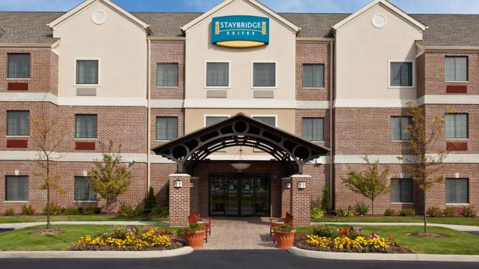 Exterior view Staybridge Suites AKRON-STOW-CUYAHOGA FALLS
