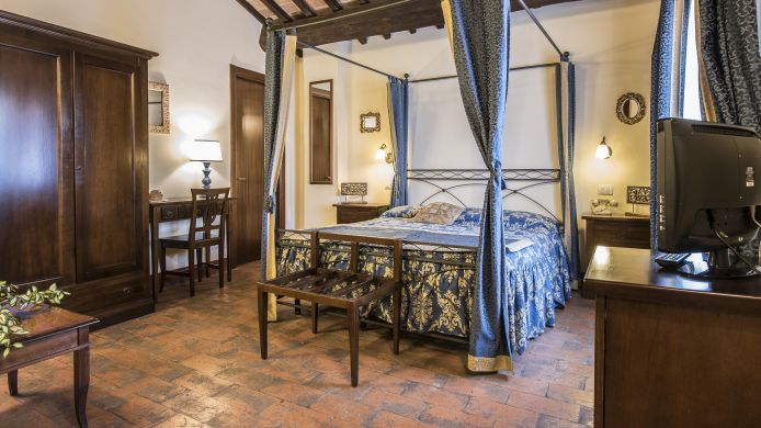 Junior-suite Palazzo Fani Mignanelli Historic building