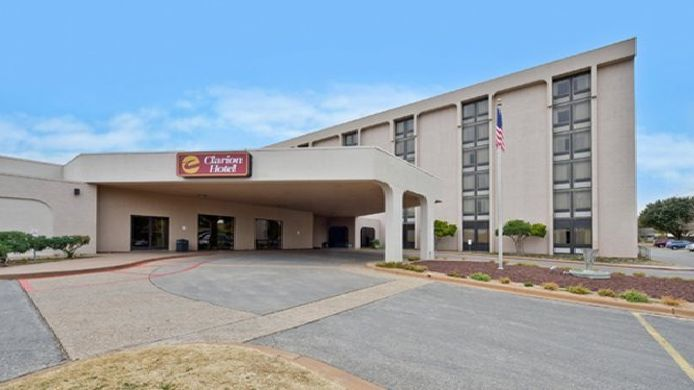 Exterior view Clarion Hotel San Angelo