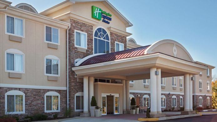 Exterior view Holiday Inn Express & Suites MERIDEN