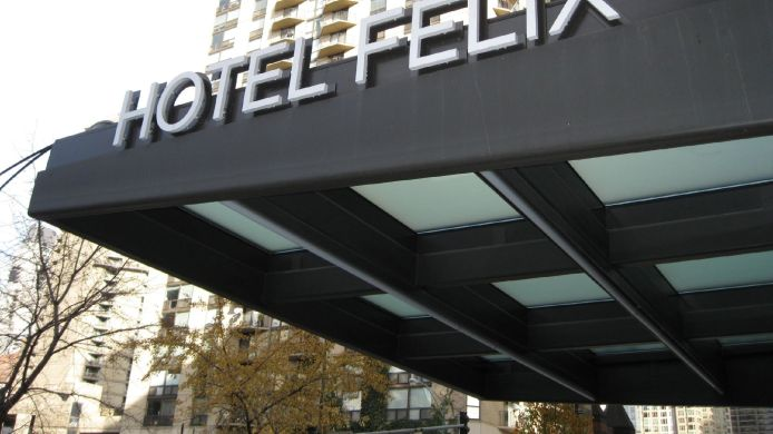 Exterior view Hotel Felix Chicago