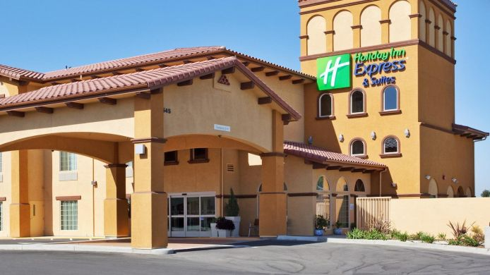 Exterior view Holiday Inn Express & Suites WILLOWS