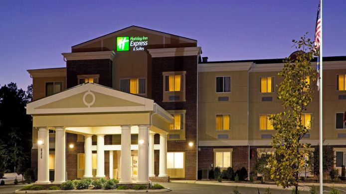Buitenaanzicht Holiday Inn Express & Suites SOUTHERN PINES-PINEHURST AREA