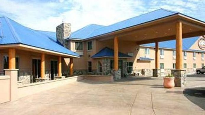 Exterior view BLUE MOUNTAIN INN AND SUITES
