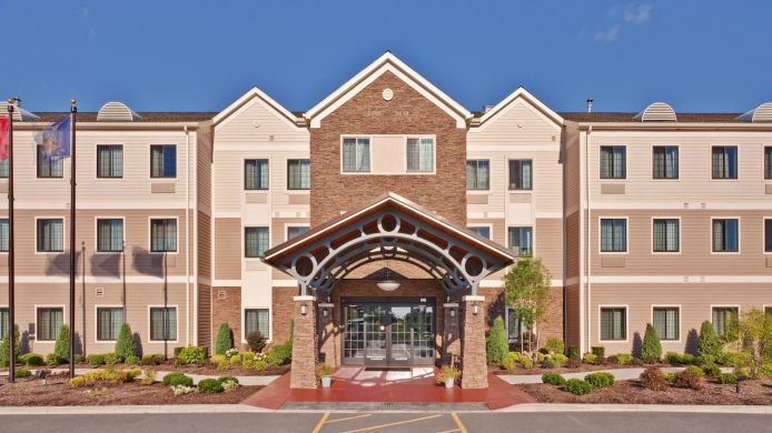 Exterior view Staybridge Suites BUFFALO-AIRPORT