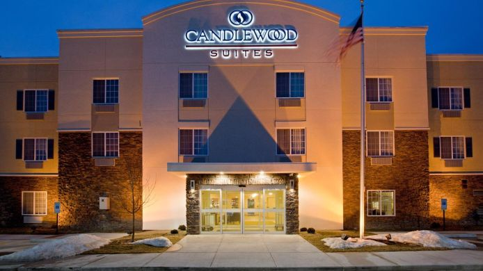 Exterior view Candlewood Suites CHAMPAIGN-URBANA UNIV AREA