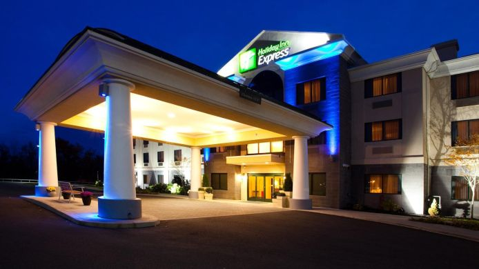 Exterior view Holiday Inn Express SYRACUSE AIRPORT