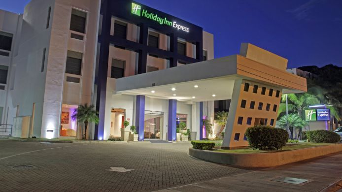 Buitenaanzicht Holiday Inn Express SAN JOSE FORUM