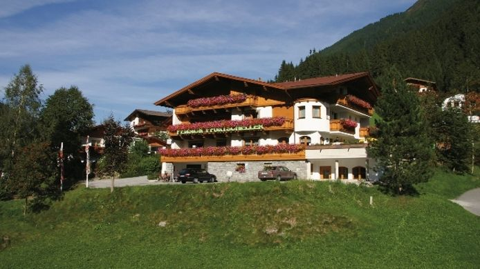 Exterior view Alpenpension Pfurtscheller Pension