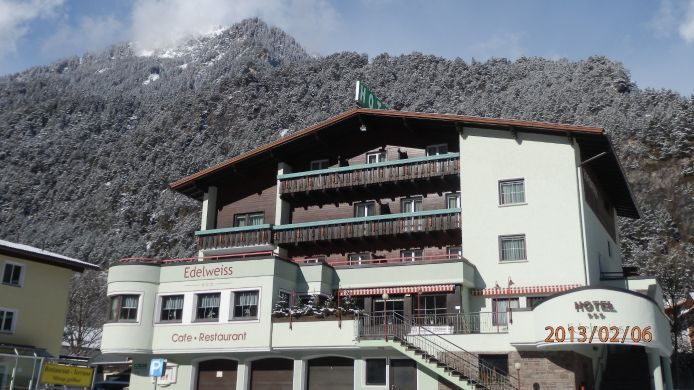Exterior view Hotel Edelweiss