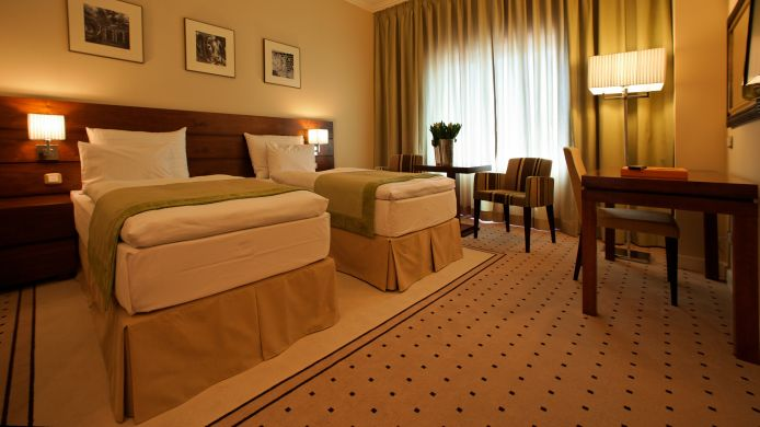 Double room (standard) Capital Plaza