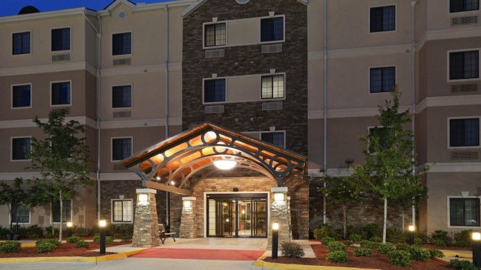 Buitenaanzicht Staybridge Suites COVINGTON