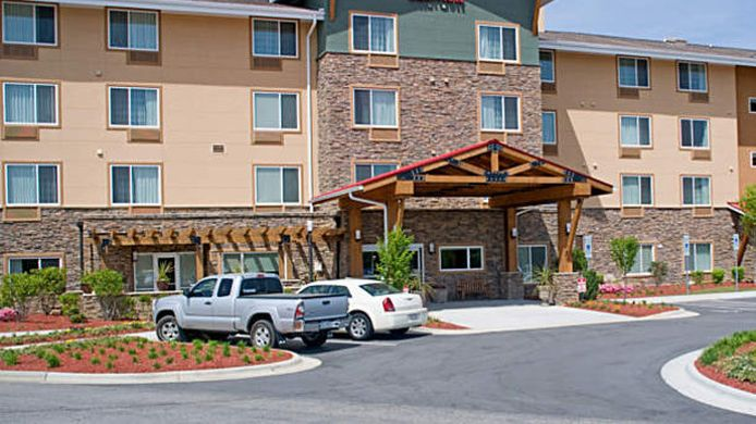 Exterior view TownePlace Suites Fayetteville Cross Creek