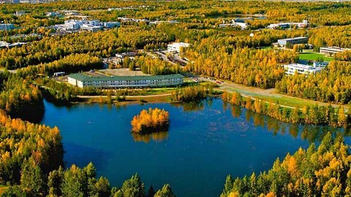 Buitenaanzicht SpringHill Suites Anchorage University Lake