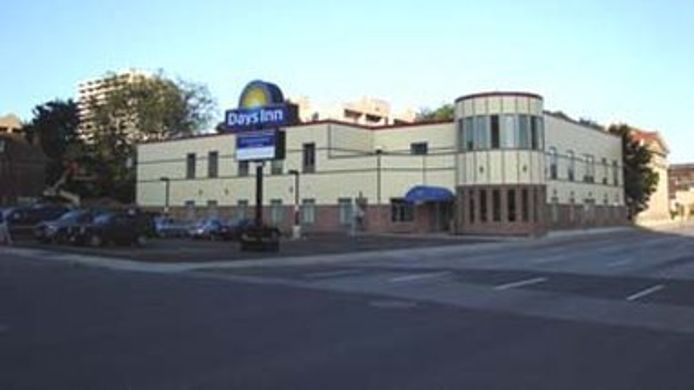 Exterior view DAYS INN HAMILTON