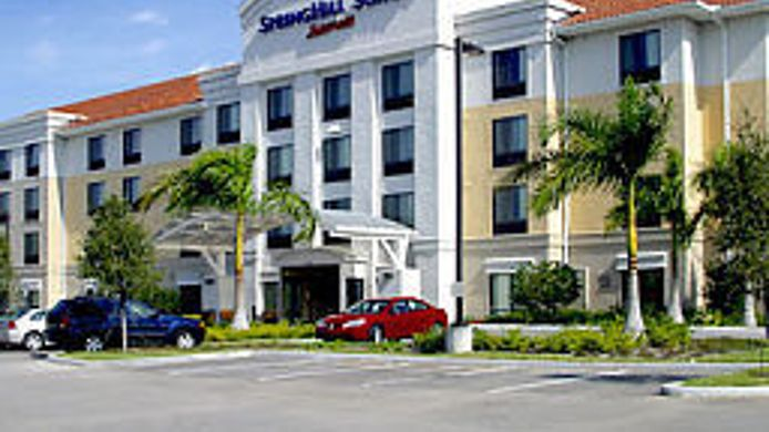 Exterior view SpringHill Suites Fort Myers Airport