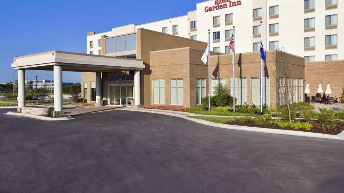 Exterior view Hilton Garden Inn Lake Forest Mettawa