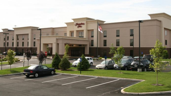 Exterior view Hampton Inn North Brunswick-New Brunswick NJ