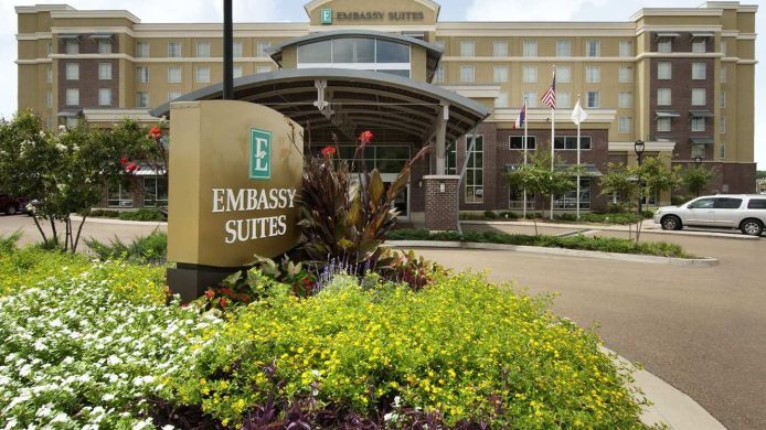 Exterior view Embassy Suites by Hilton Jackson North Ridgeland