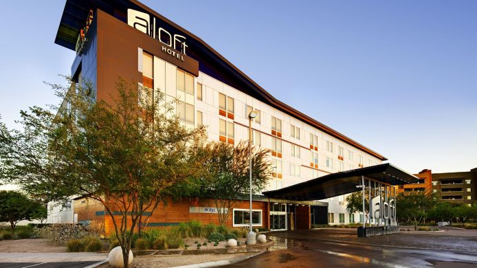 Exterior view Aloft Tempe