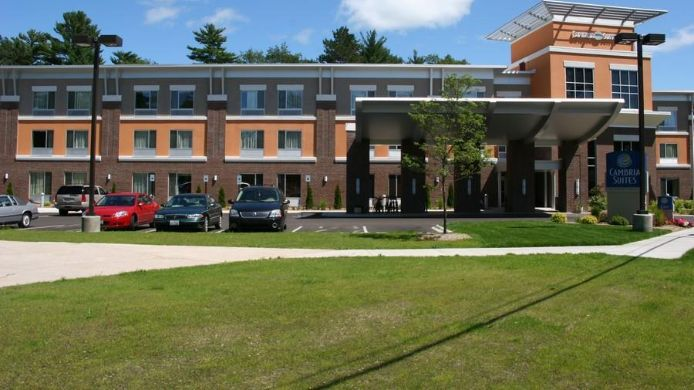 Exterior view Cambria hotel & suites Traverse City