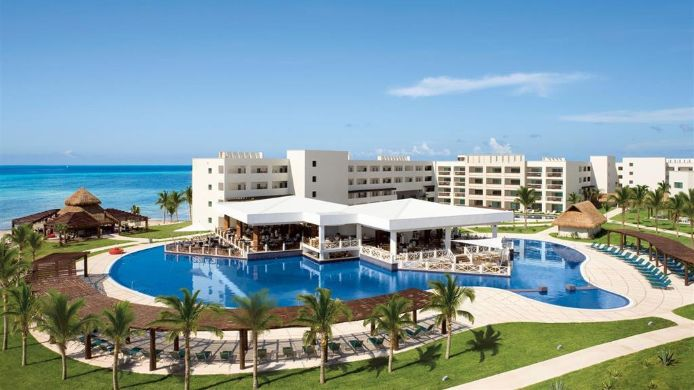 Exterior view SECRETS SILVERSANDS RIVIERA CANCUN