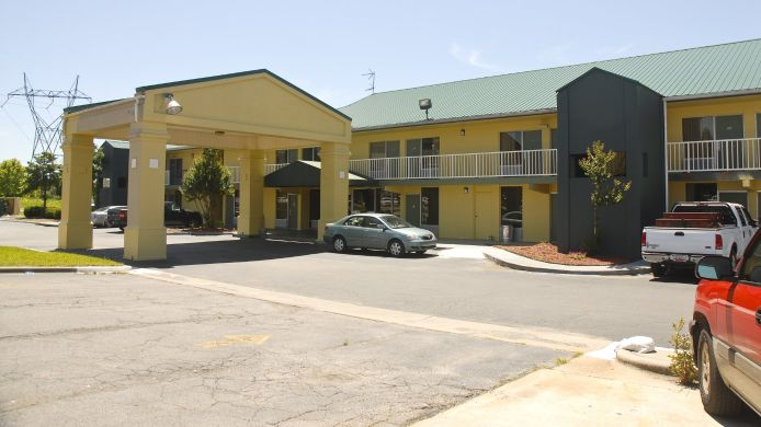 Buitenaanzicht PARKWAY INN AND SUITES