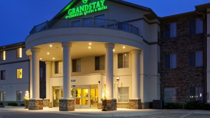 Exterior view GRANDSTAY RESIDENTIAL SUITES
