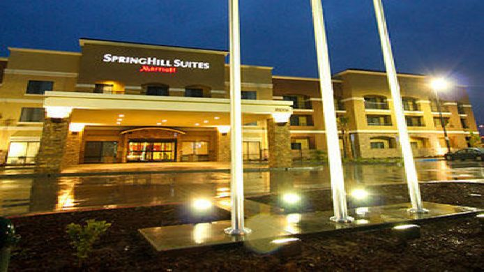 Buitenaanzicht SpringHill Suites Madera