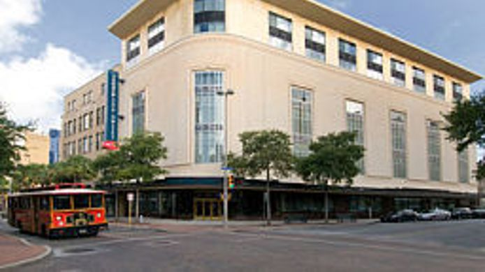 Exterior view TownePlace Suites San Antonio Downtown