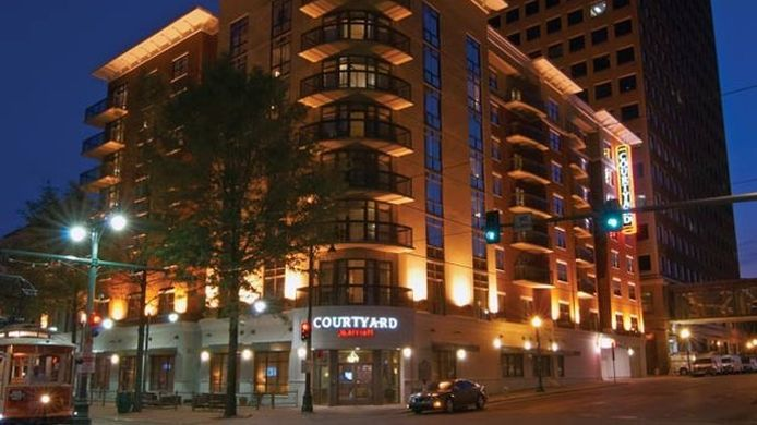 Exterior view Courtyard Memphis Downtown