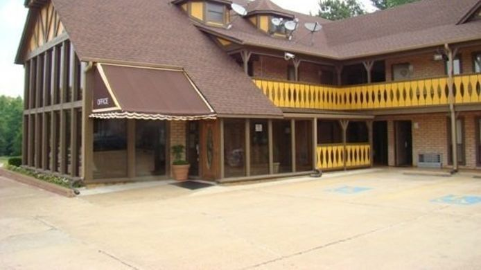 Exterior view KNIGHTS INN TYLER