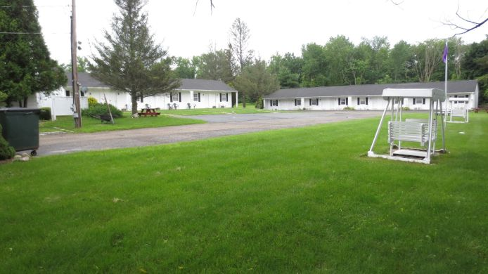 Exterior view THE VILLAGER MOTEL