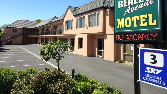 Picture Bealey Avenue Motel
