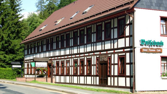 Buitenaanzicht Hotel-Pension-Cafe Wolfsbach