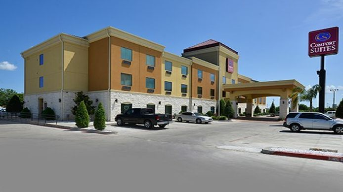 Exterior view Comfort Suites Bay City