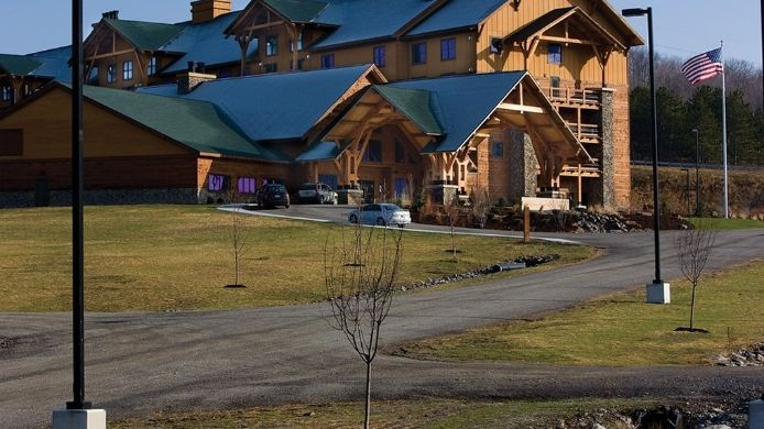 Buitenaanzicht HOPE LAKE LODGE AND INDOOR WATERPARK