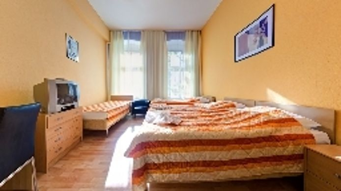 Four-bed room Am Savignyplatz Hotel-Pension