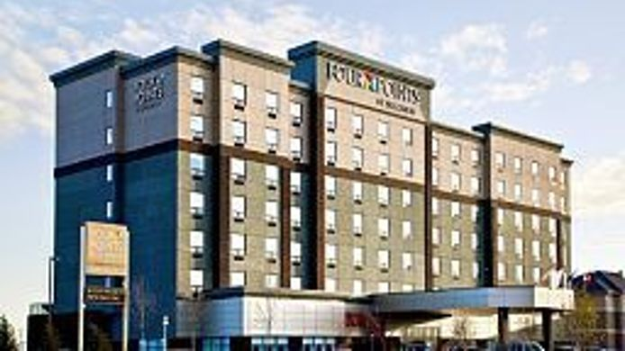 Exterior view Four Points by Sheraton Calgary Airport